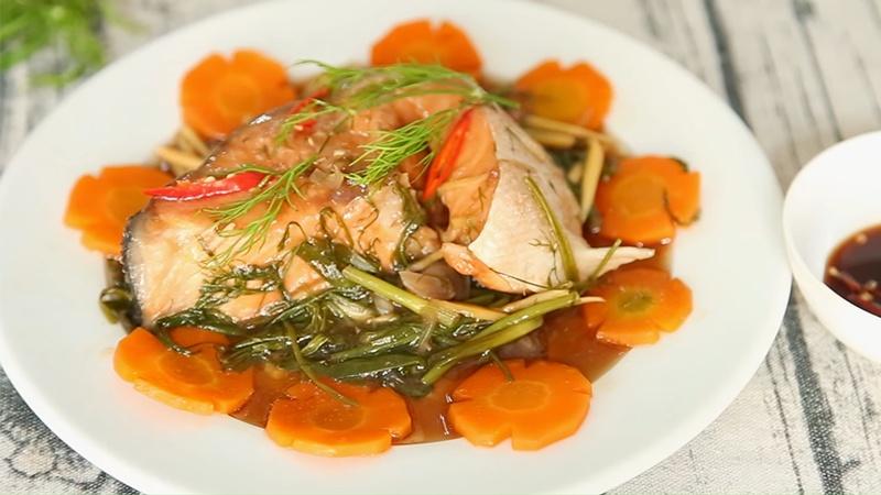 Món cá hồi hấp xì dầu mềm ngon thấm vị