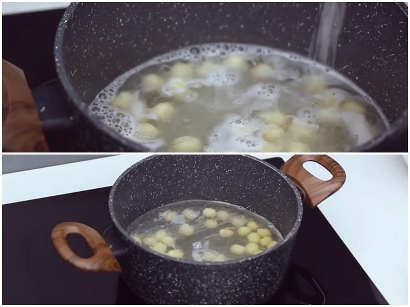 Nấu chè hạt sen và dừa non