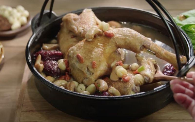 Món lẩu gà mắc khén thơm ngon đậm đà