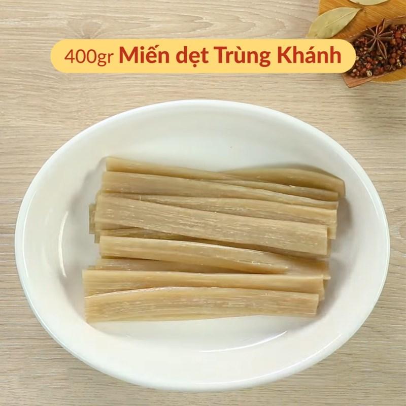 Miến dẹt Trùng Khánh đem ngâm nước cho mềm