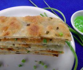 Món bánh hành giòn tan cho bữa ăn sáng