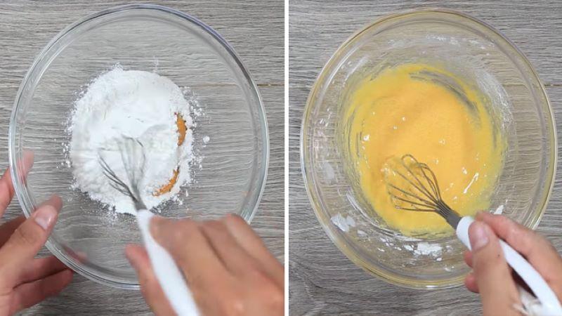 Cho lòng đỏ trứng gà, đường và bột bắpvào tô trộn đều