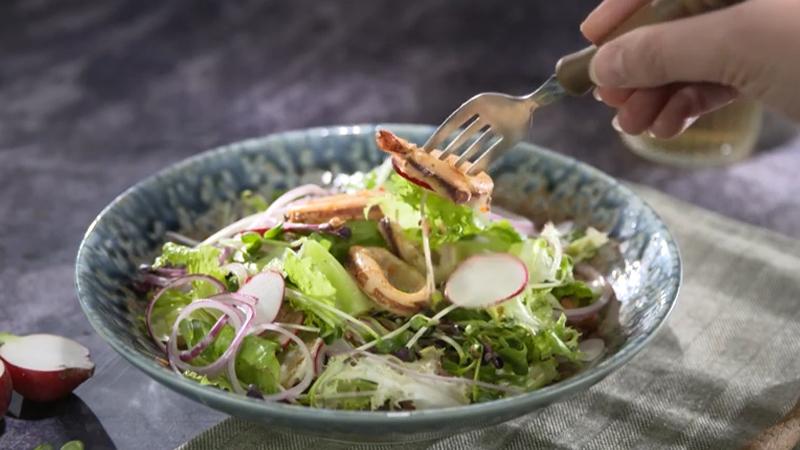Món salad mực ống đơn giản mà ngon miệng
