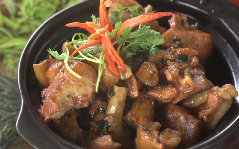 Món gà kho nước tương đậu hũ ngon đậm đà đưa cơm