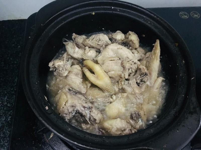 Rang gà với lá chanh