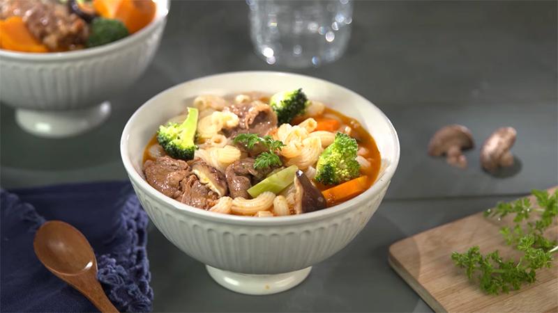 Món nui nấu bò cay thơm lừng hấp dẫn cho bữa sáng