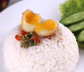 Món trứng cút lòng đào ngâm nước tương cực ngon