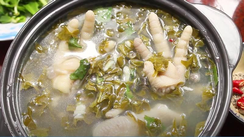 Món canh chân gà lá giang ai ăn cũng khen nức nở